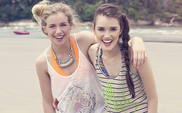 Garotas na praia