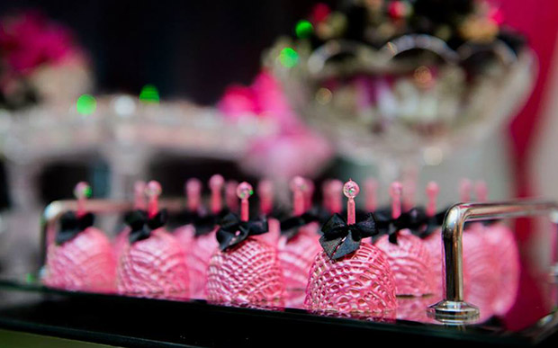 festa-15-anos-rosa-preto-1