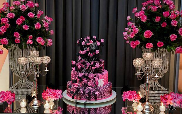 festa-15-anos-rosa-preto-13