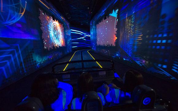 Test Track: uma viagem pelo mundo dos carros que te dá a oportunidade de criar o seu próprio concept vehicle e ver como ele se sai nos testes de temperatura, terrno, eficiência e velocidade. Fica no parque Epcot, no Walt Disney World Resort em Orlando