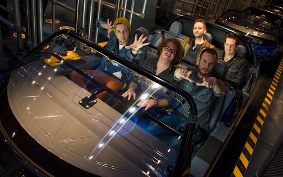 Os meninos da banda OneRepublic curtem o Test Track: uma viagem pelo mundo dos carros que te dá a oportunidade de criar o seu próprio concept vehicle e ver como ele se sai nos testes de temperatura, terrno, eficiência e velocidade. Fica no parque Epcot, no Walt Disney World Resort em Orlando