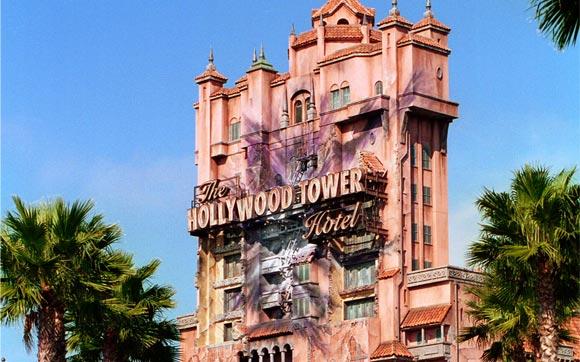 Se depare com a quinta dimensão neste elevador de serviço de um antigo hotel, fechado depois de um acidente numa noite de Halloween. Fica no parque Hollywood Studios, no Walt Disney World Resort, em Orlando.