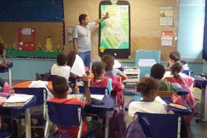 Professor usa Pokémon Go para ensinar geografia aos seus alunos