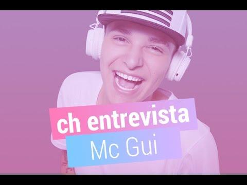 """""""Quando a gente gosta, sente ciúmes"""", revela Mc Gui sobre as fãs"""