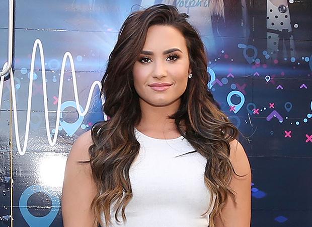 Demi Lovato cabelo ombro