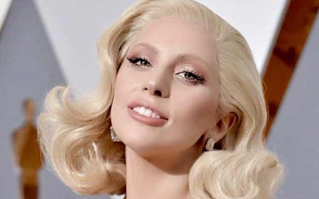 Você sabia que Lady Gaga também tem lúpus? Ela falou publicamente sobre isso pela primeira vez em 2010.