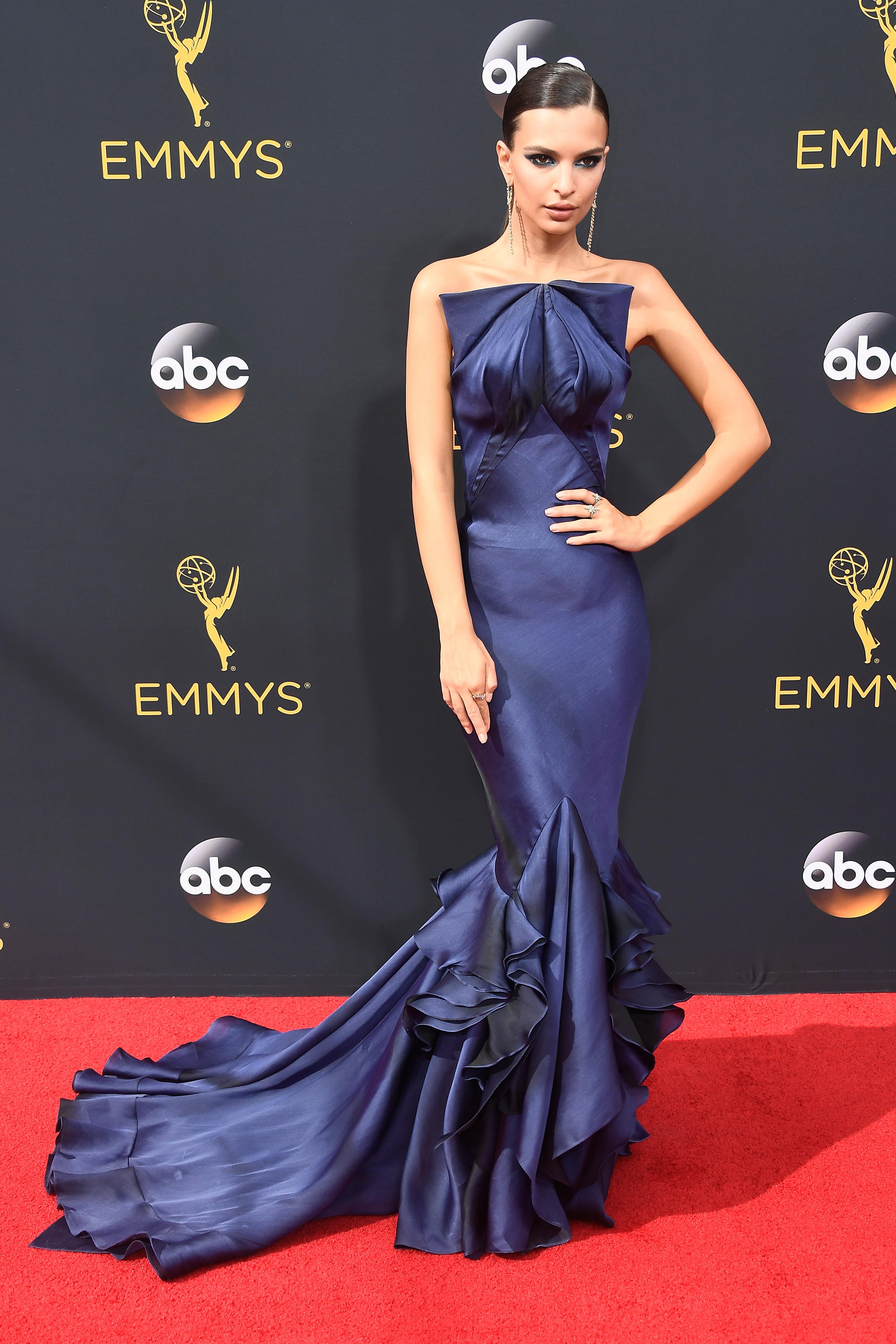Emily Ratajkowski red carpet emmy 2016