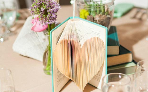 15-anos-livros-decoracao-8