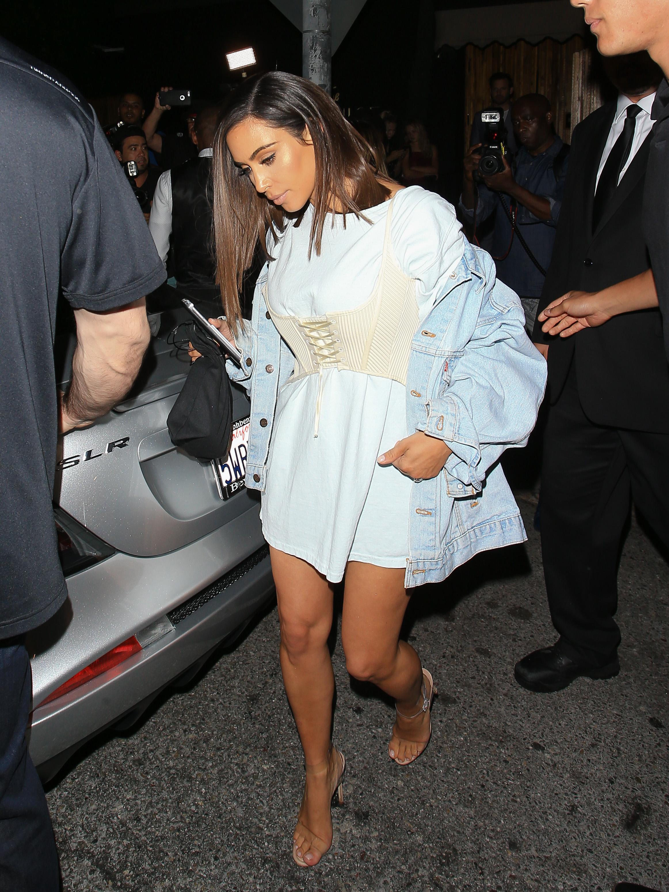 Kim Kardashian foi uma das primeiras celebs a apostar na tendência. Foto: