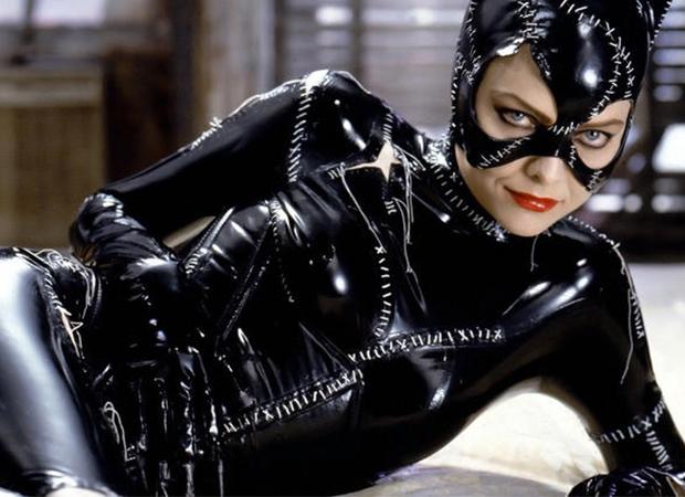Em 92, a mulher gato fez uma aparição no filme Batman: O retorno. Foto: