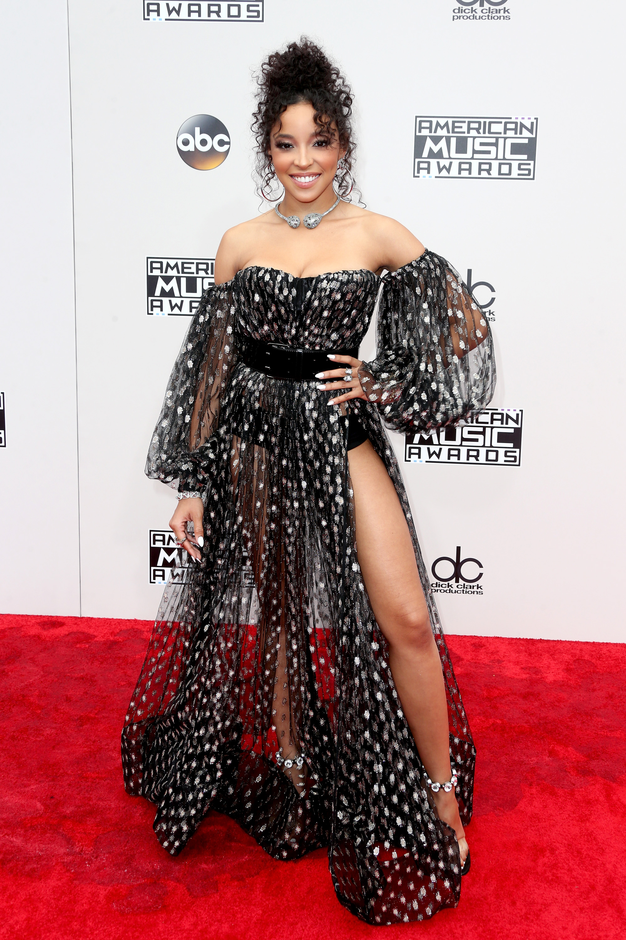 LOS ANGELES, CA - NOVEMBER 20: Singer Tinashe attends the 2016 American Music Awards at Microsoft Theater on November 20, 2016 in Los Angeles, California. (Photo by Frederick M. Brown/Getty Images)