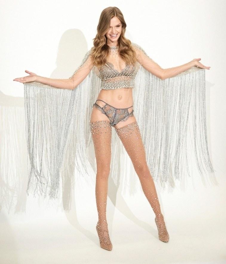 Desfile da Victoria's Secret terá look com mais de 450 mil cristais Swarovski!