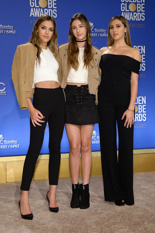 Sistine ao lado das irmãs Scarlet e Sophia. Foto: