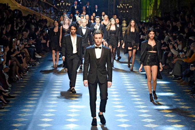 Dolce & Gabbana – Mens Fall 2017 Runway – Milan Menswear Fashion Week