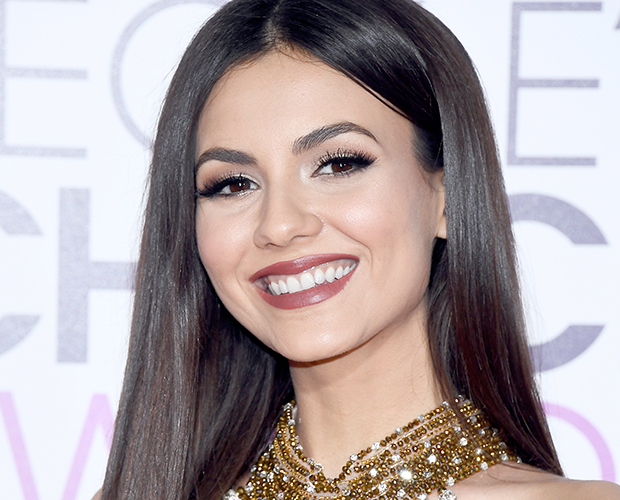 peoples-choice-awards-victoria-justice