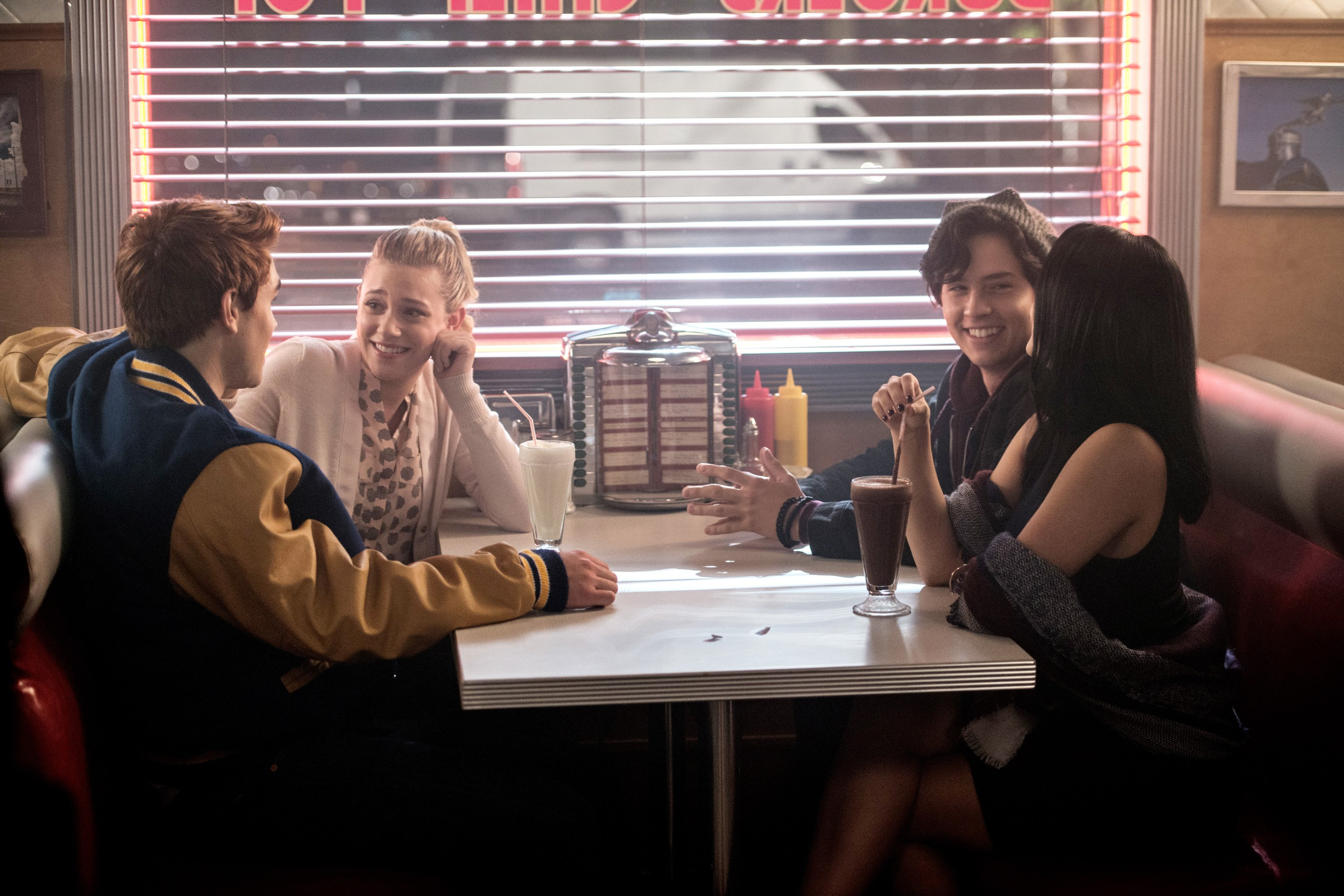 jughead-riverdale-cole-sprouse1