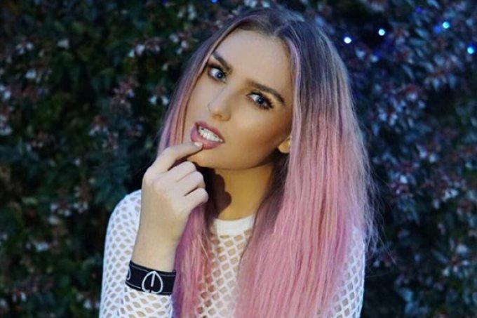 famosas-cabelo-rosa-perrie-edwards