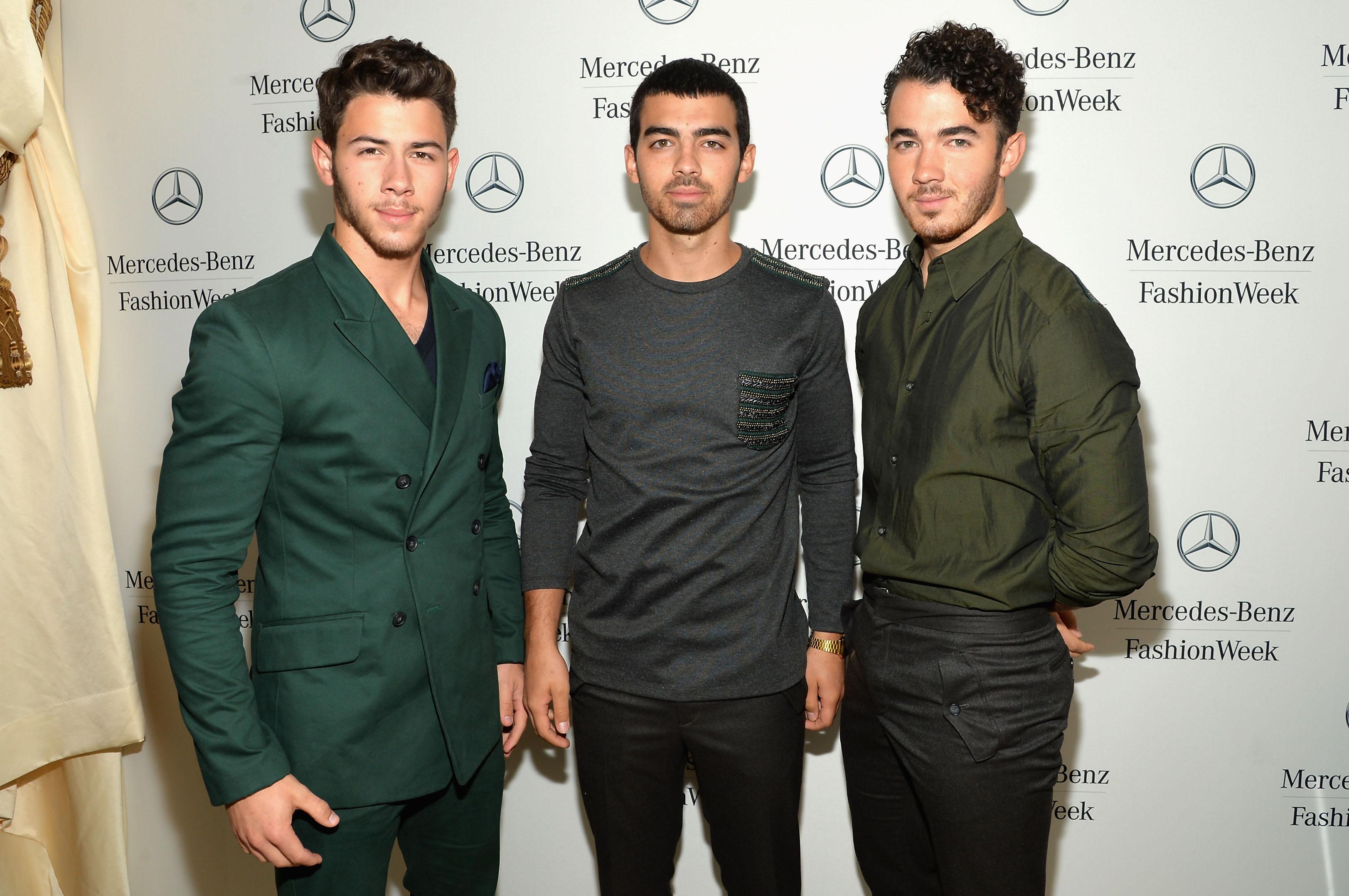 Kevin Jonas, pai dos Jonas Brothers, foi diagnosticado com câncer de cólon em março desse ano