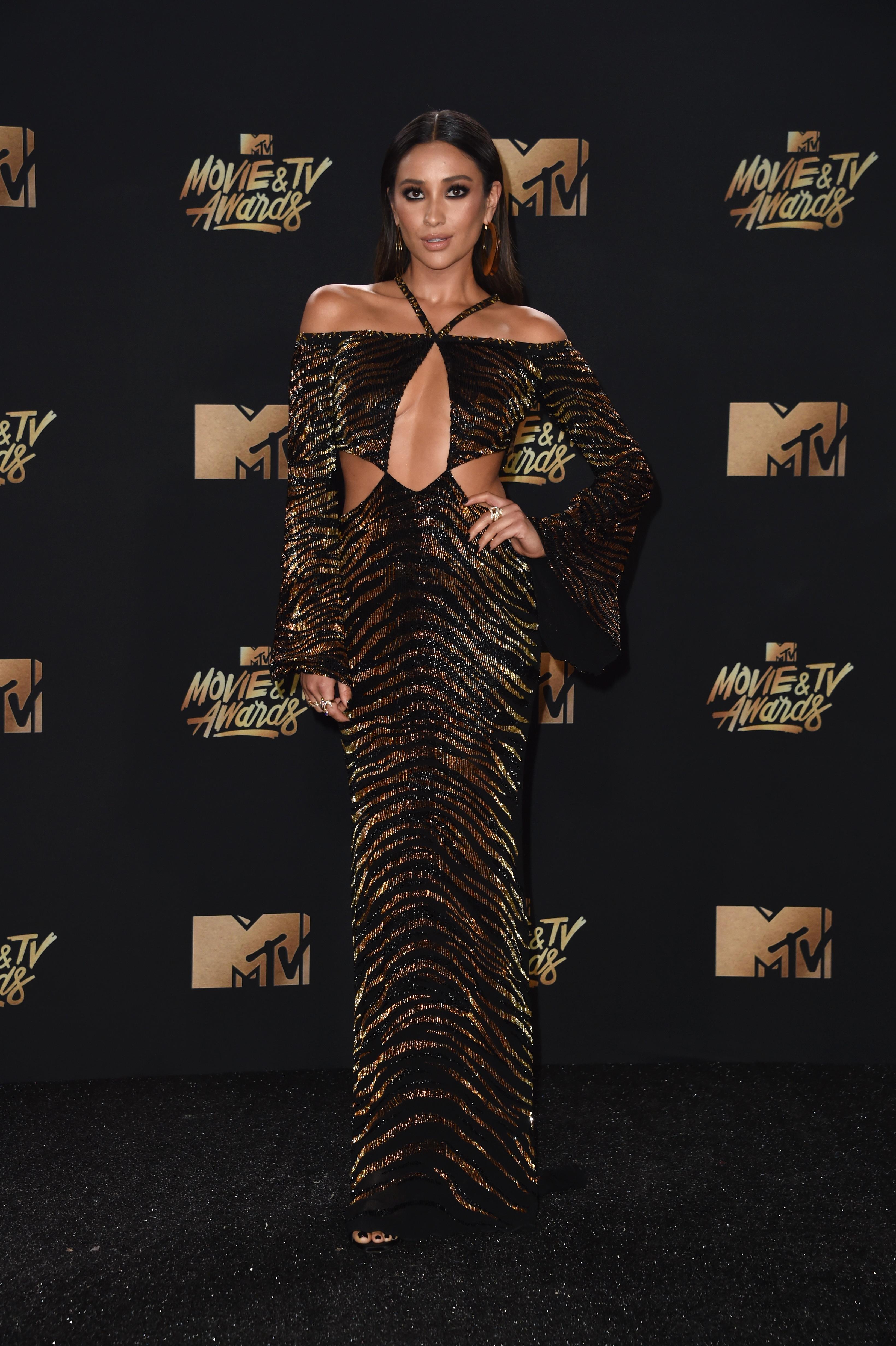 2017 MTV Movie And TV Awards Shay Mitchell