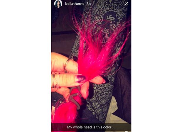 bella-thorne-cabelo-rosa