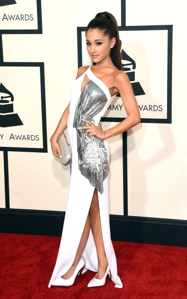 2015 - Ari no red carpet de mais um Grammy Awards!