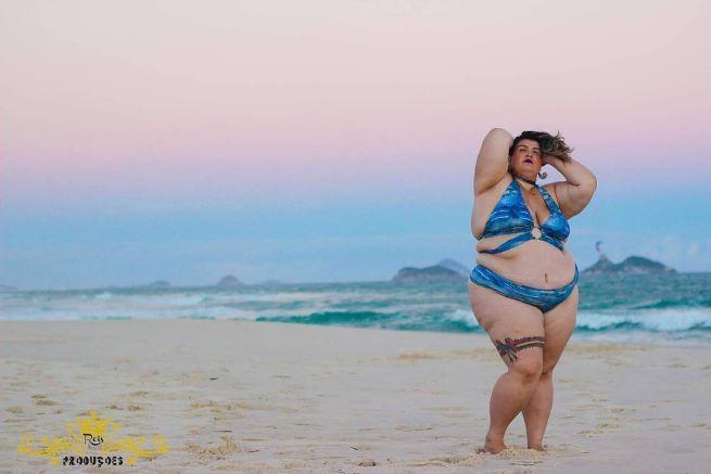 bailarina anitta thais carla plus size