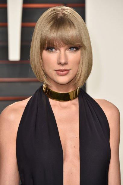 No começo de 2016, Taylor apareceu com um chanel bem curtinho, na altura do queixo