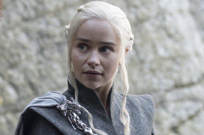 Missandei (Nathalie Emmanuel) e Daenerys Targaryen (Emilia Clarke) – Credito Macall B.Polay_HBO