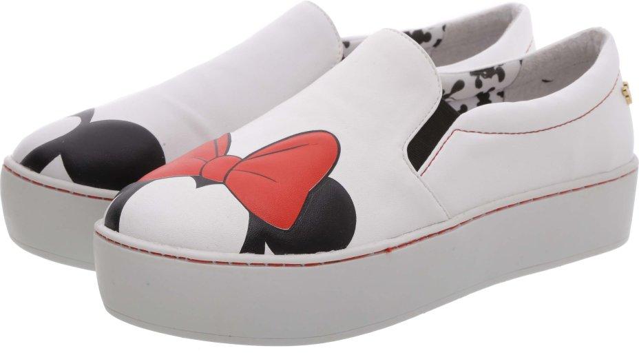 A melhor peça da coleção! Tênis com a forma do Mickey e da Minnie! Um lacre!