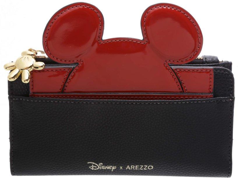 Carteira fashionista e divertida! Olha o detalhe do zíper: uma luvinha do Mickey. Awnnn