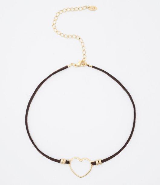 O modelo das Lojas Renner (R$22,90) tem o mesmo couro marrom e coração dourado.