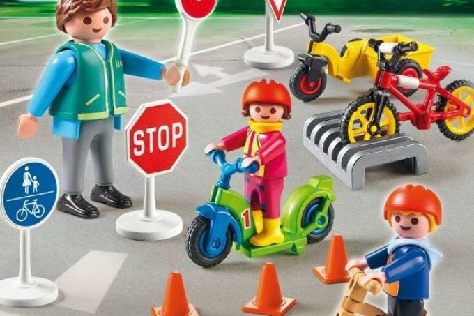 homem-cone-playmobil-pulmao-inglaterra1