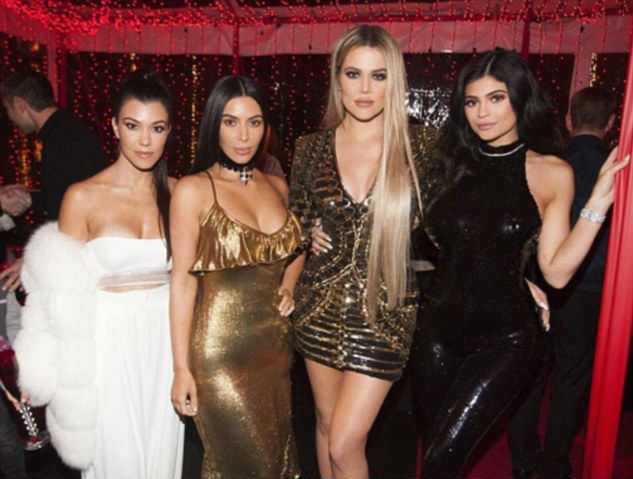 kardashians-festa-fim-de-ano