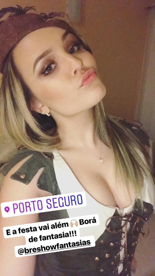 larissa-manoela-festa-a-fantasia-porto-seguro
