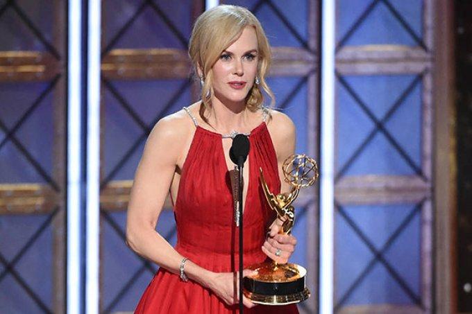 Nicole Kidman chama violência doméstica de 'doença' no Emmy 2017