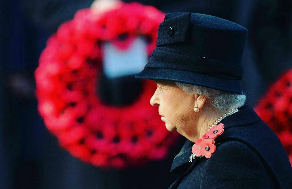 rainha-elizabeth-ii-remembrance-day