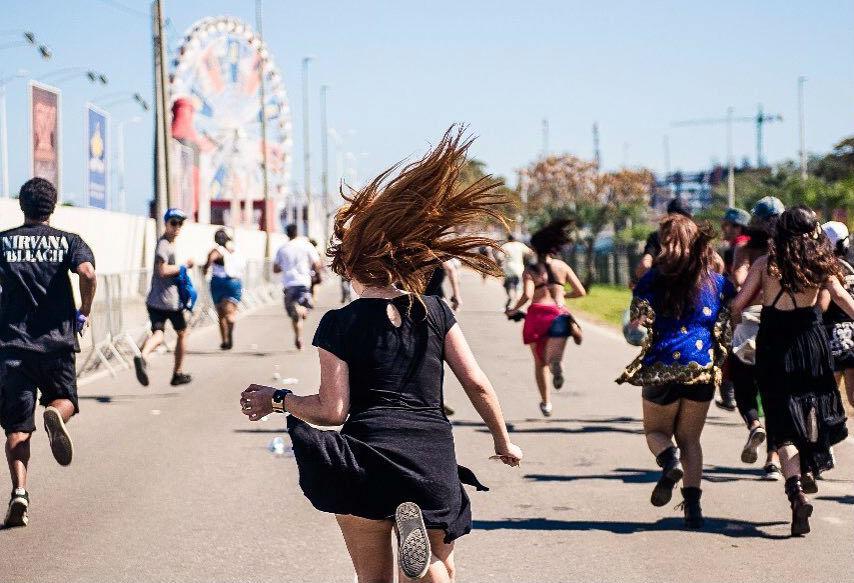 rock-in-rio-2017-menina-correndo-roda-gigante