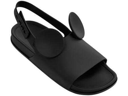 A beach Slide Sandal custa R$160.