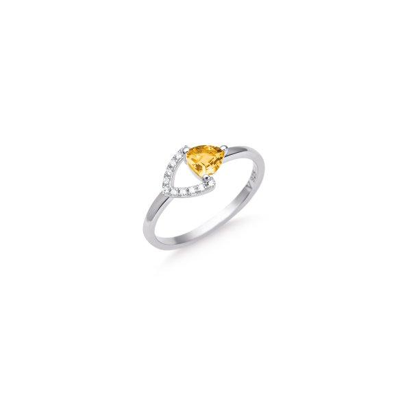 <span>Na nova coleção </span><strong>Elementos Life by Vivara</strong><span>, o elemento Fogo é representado pelo citrino amarelo. </span>