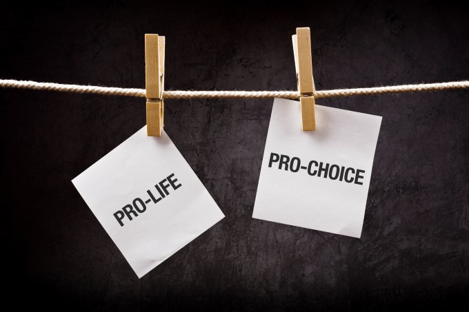 Câmara aprova PEC que proíbe aborto mesmo em casos de estupro