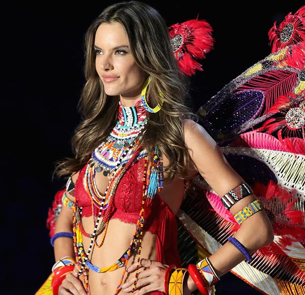 Modelos-da-Victorias-Secret-lidam-espinhas-alessandra-ambrosio