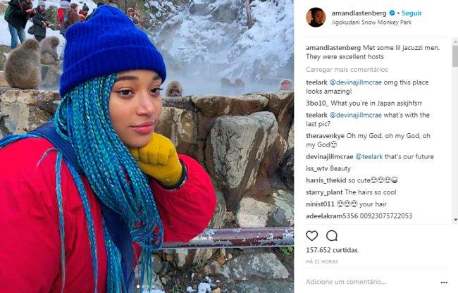 amandla-stenberg-cabelo-trancinhas-coloridas