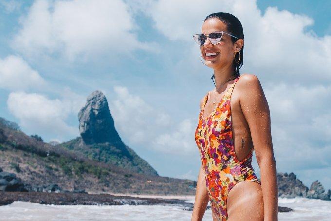 bruna-marquezine-posta-foto-sensual-elogiada-neymar