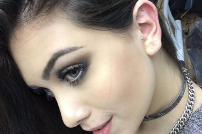 flavia-pavanelli-piercing