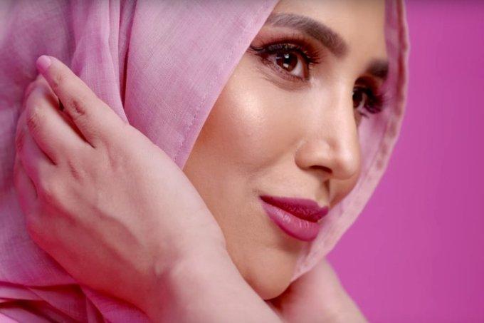 loreal-paris-uk-hijab-model-amena-khan