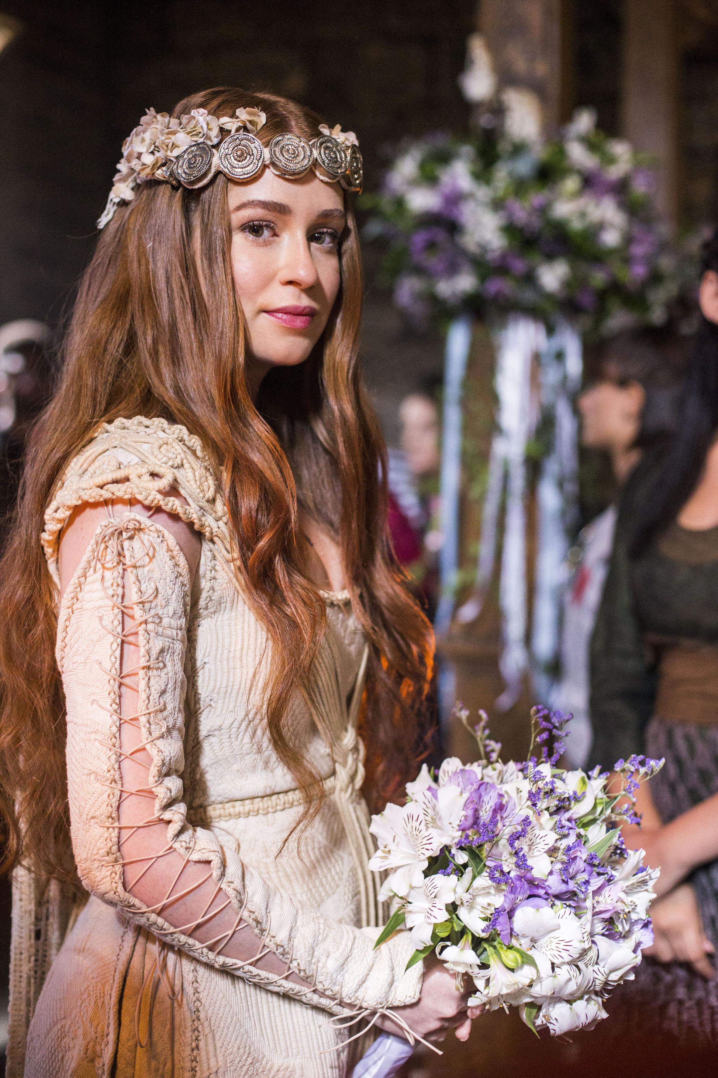 vestido-noiva-amalia-deus-salve-o-rei