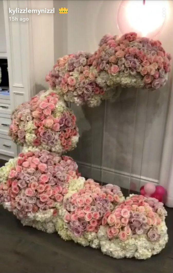 khloe-kardashian-manda-flores-para-kylie-jenner