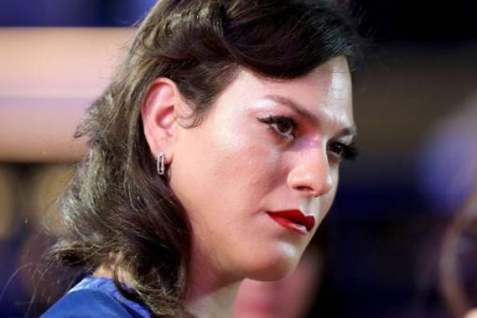 Atriz trans é impedida de receber prêmio e culpa atraso chileno