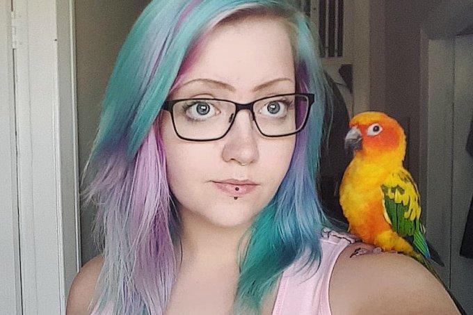 garota-cabelo-cor-papagaio