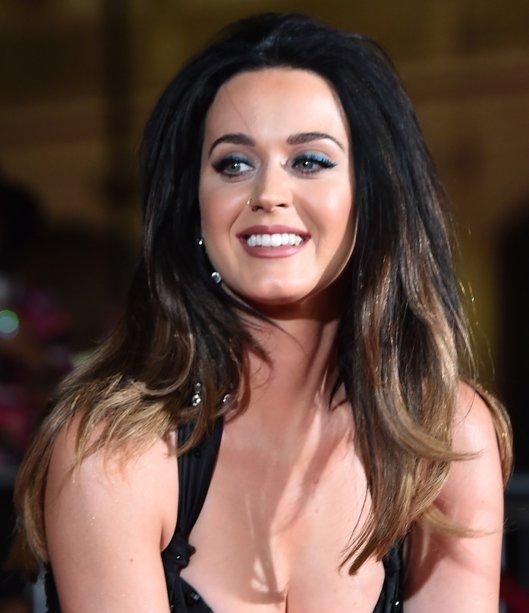 Em setembro de 2015, Katy ostentou um cabelão com pontas mais claras